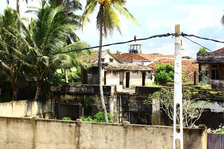 tsunamis: Destroyed building in Galle Fort