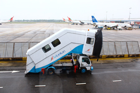 colombo: Self-propelled ladder, Colombo airport