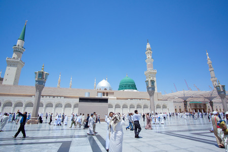 MEDINA, SAUDI ARABIA - APRIL 19, 2016 : The Prophet Muhammad Mosque In Medina. Al-Masjid An-Nabawī (Prophets Mosque) Is A Mosque Established And Originally Built By The Prophet Muhammad PBUH, Situated In The City Of Medina In Saudi Arabia