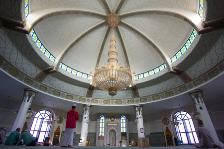 JEDDAH, SAUDI ARABIA - APRIL 28, 2016 : The Interior Of Ar Rahmah Mosque Or Floating Mosque. Constructed On The Coast Of The Red Sea, The Majestic Mosque Appears To Be Floating Due To It Being Built On Pillars.