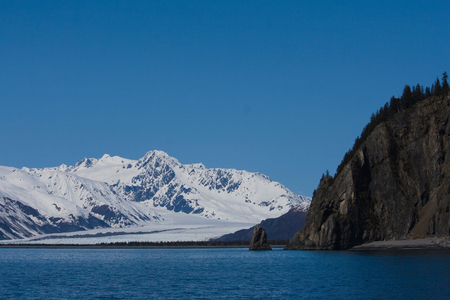 A scenic view of Bear Glacier in Kenai Fjords near Seward, Alaska. Standard-Bild