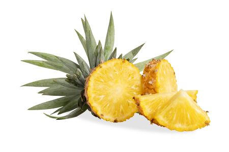 Pineapple or Ananas comosus has proteolytic enzymes, bromelain names, helps digest proteins, does not leave residues in the intestines and contains many vitamin C minerals And used in the medical industry to treat tissue inflammation And used in beer production to prevent sedimentation Banco de Imagens