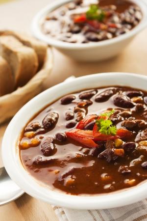 spicey: Chilli con carne con peperoncino e prezzemolo