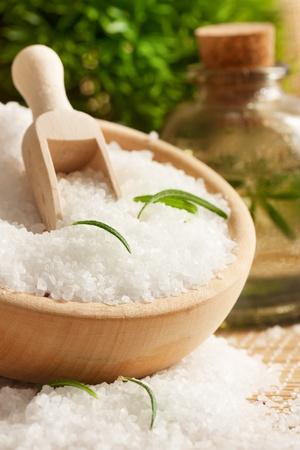 Ustawienie Spa sól do kąpieli i wody kwiatowe.