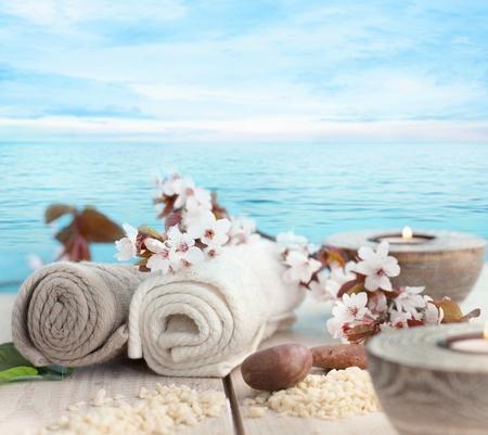スパとウェルネス自然設定石鹸、ろうそく、タオル ベージュ愛子自然セット 写真素材