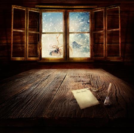 renna: Christmas design - Caro Babbo Natale. Xmas background inverno in cabina di legno con lettera a Babbo Natale, renne e paesaggio invernale nella parte posteriore.