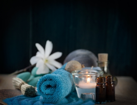 dayspa: Spa and wellness setting with candles and towel  Blue dayspa nature set Stock Photo