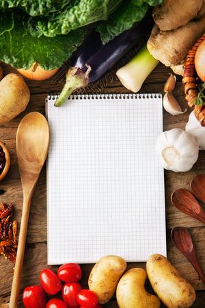 Vegetables on wood Standard-Bild