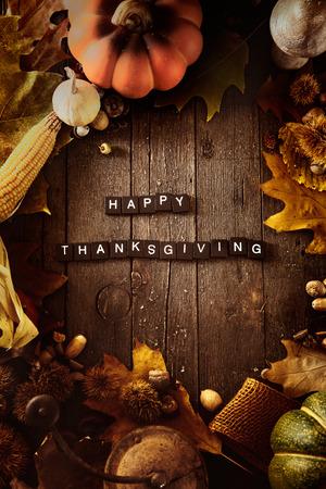 accion de gracias: Acción de gracias de fondo. Frutos del otoño con las cartas de Acción de Gracias. cena de Acción de Gracias