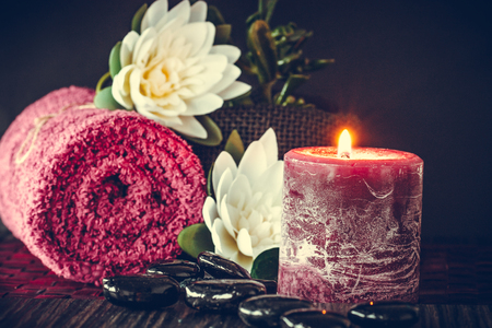 Spa y wellness con flores y toallas. Productos Dayspa naturaleza