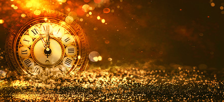 새 해 배경입니다. 시계 카운트 다운. 황금 휴일 추상 defocused 배경 빛나는 별. 흐리게 보케. 흐린 배경 스톡 콘텐츠