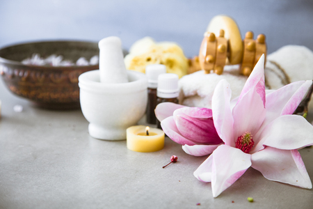 Spa natural concept. Dayspa cosmetics products. Spa and wellness setting. 스톡 콘텐츠