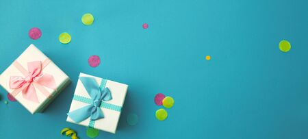 Birthday concept with gift box and confetti. Birthday background Standard-Bild