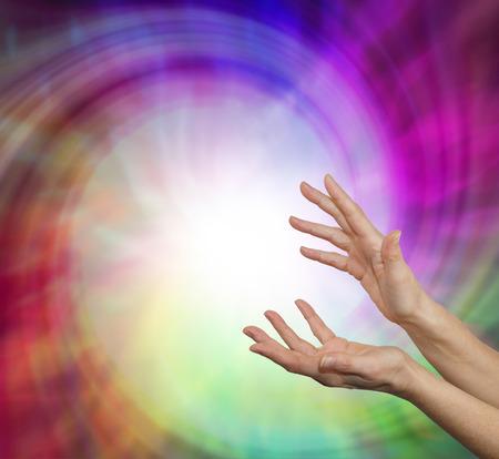 manos abiertas: Vórtice curación Sensing
