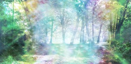 Magische Spirituele Woodland Energy - regenboog gekleurde bos scène met stromen van fonkelend licht