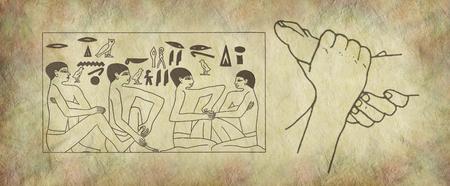 La práctica antigua de arte de la pared de reflexología - par de pies femeninos a la derecha con el panel jeroglífico egipcio de escena de masaje de pies sobre fondo de efecto de piedra Foto de archivo - 79870842