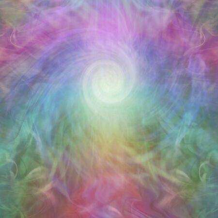 Energía de arco iris y fondo de vórtice blanco: una espiral de luz blanca rodeada por energía de vórtice de color arco iris y mucho espacio de copia