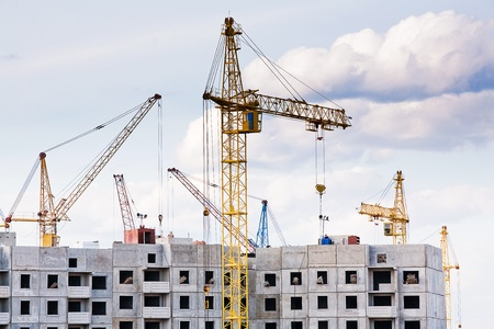 La construction de plusieurs grands immeubles d'habitation dans le domaine Éditoriale