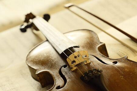 fiddlestick: viol�n antiguo con fiddlestick