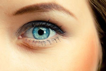 female eyes: human eye