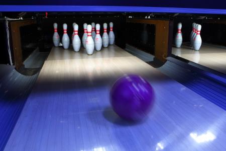 straight pin: bowling ball and pins
