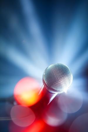 microfono de radio: micrófono de Karaoke  Foto de archivo
