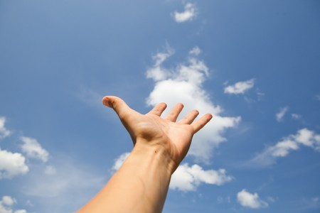 llegar a mano para el cielo