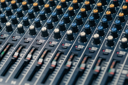 15130826-studio-mixer-knobs-and-faders.jpg
