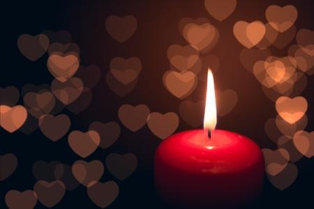 bougie coeur: bougie avec des coeurs bokeh