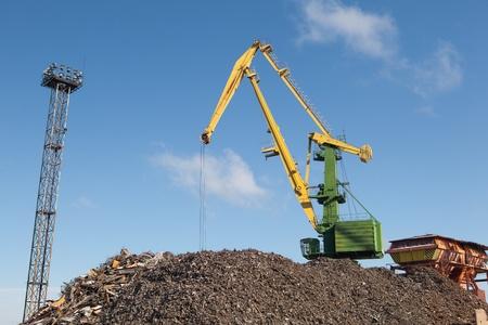 scrap metal loading Stock Photo - 20559041