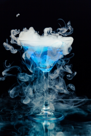 vapor: blue cocktail with splash and ice vapor