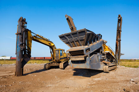 poling: heavy building machines