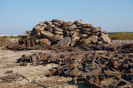metallschrott: Schrotthaufen im Freien Lizenzfreie Bilder