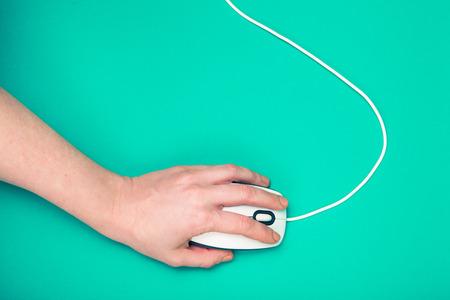 myszy: strony myszki na komputerze, szmaragd tło Zdjęcie Seryjne