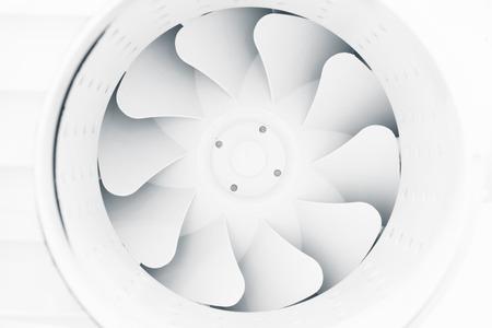 energia electrica: aspas del ventilador de moderno sistema de ventilación