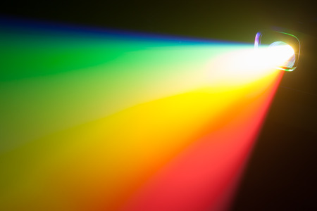 ray trace: rgb spectrum light of projector