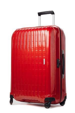 rode kool koffer op wit wordt geïsoleerd