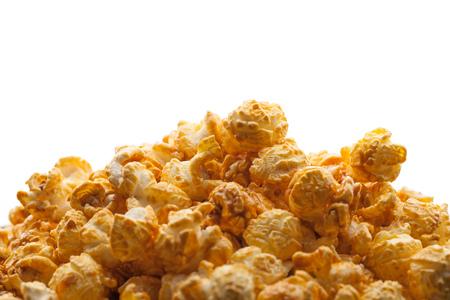 sfondo di pop corn caramello con copia-spazio bianco