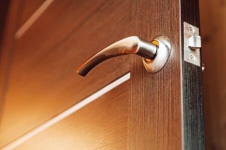 manejar: manija de la puerta, vista de cerca Foto de archivo