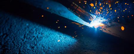 herramientas de trabajo: artistic welding sparks light, industrial background Foto de archivo