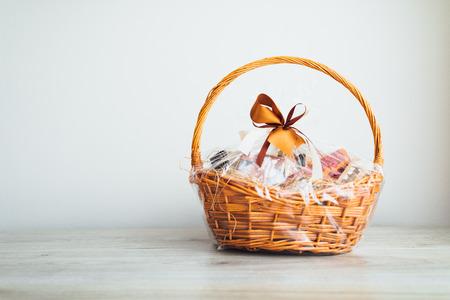 gift basket on grey background Foto de archivo