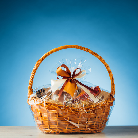 gift basket on blue background Фото со стока - 80703531