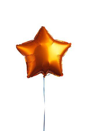 orangefarbener Sternballon, isoliert auf weiß