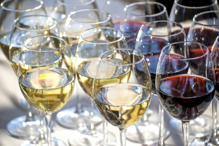banket: glasses with white and red wine close-up before party in cafe Stock Photo