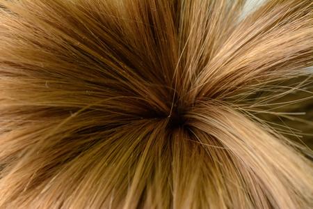Das Haar eines kleinen Mädchens, in Form von Palmen gebunden und auf das Makro 2019 geschossen Standard-Bild