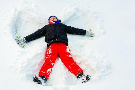 An angel in the snow made by a boy. 2019 Zdjęcie Seryjne