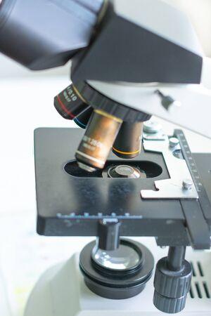 Medical staff at the laboratory perform blood tests. 2019 Zdjęcie Seryjne