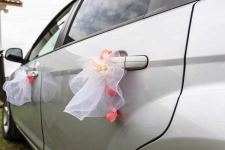 Wedding decorations and decorations on the wedding car. 2020 Imagens