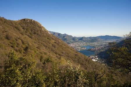 Trekking sulle alpi Imagens