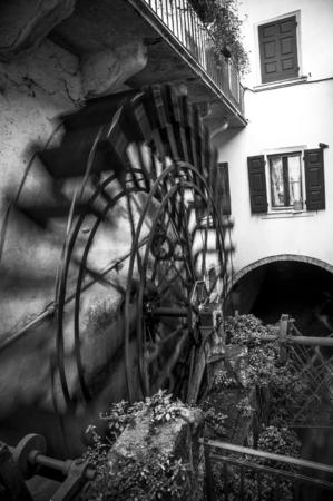 wind wheel: Ancient mill